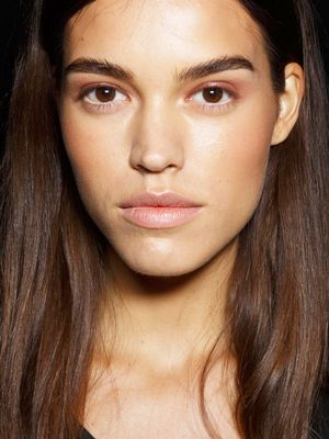 DIY: This 3-Ingredient Serum Is Hollywood's Secret to Thicker Brows