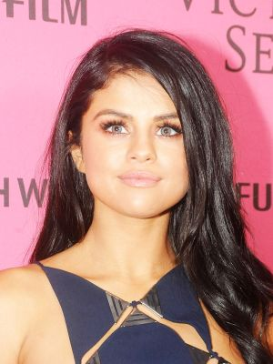 This Is Why Selena Gomez Wore Blue Contacts to the VS Fashion Show