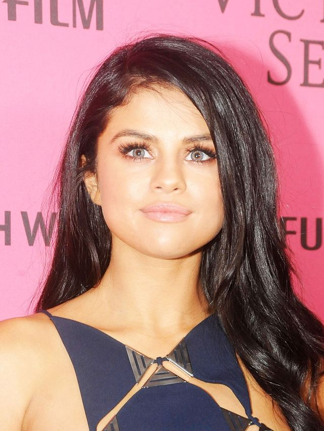 This Is Why Selena Gomez Wore Blue Contacts To The Vs