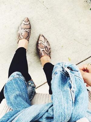 #TuesdayShoesday: 5 Simple and Stylish Slides