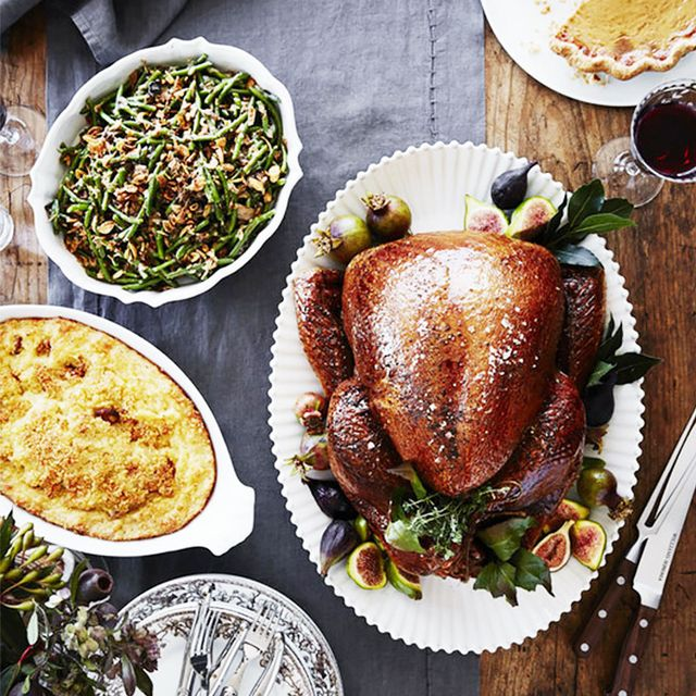 Make Your Friendsgiving Unforgettable With These Hosting Tips