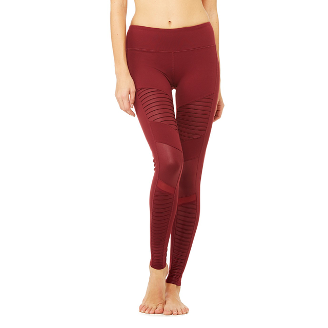 The Best Yoga Pants According To Yoga Instructors