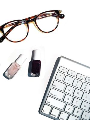How to Do a Manicure at Work (Without Annoying Your Colleagues)