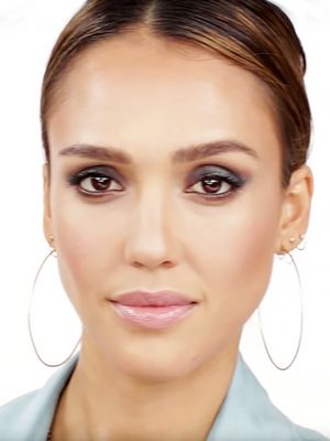 A Smouldering Blue Smoky Eye Look With Jessica Alba