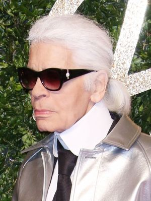 Karl Lagerfeld Ditched His Uniform With This Red Carpet Look