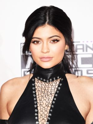 These Are the Makeup Products Kylie Jenner Uses on a Daily Basis