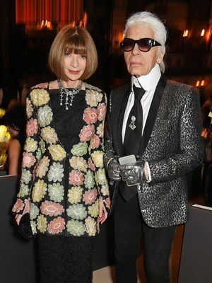 Karl Lagerfeld Gave This INCREDIBLE Gift to Anna Wintour