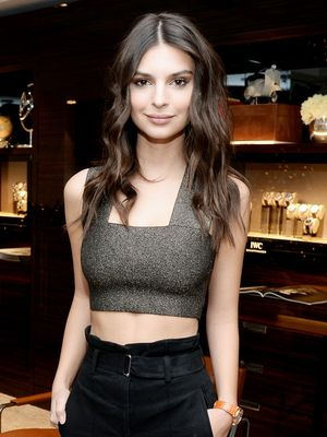 The Unexpectedly Cool Way Emily Ratajkowski Wears Metallics