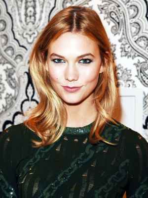 The Lipstick Hack That Karlie Kloss Stole From Beyoncé