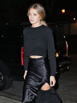 Shop Gigi Hadid's $115 Cashmere Sweater From Everlane