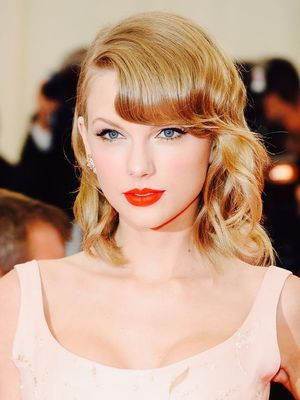Happy Birthday, Taylor Swift! See Her Most Iconic Beauty Looks.