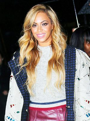 Beyoncé's Ugly Christmas Sweater Totally Tops Yours