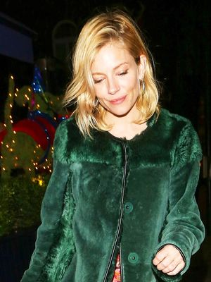 Sienna Miller Pulled Off a Surprising Holiday Party Outfit Last Night