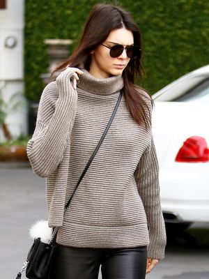 Kendall Jenner Wears the Sneakers All the Parisian Girls Have