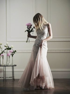 Spectacular Wedding Dresses at the Prices of Your Dreams
