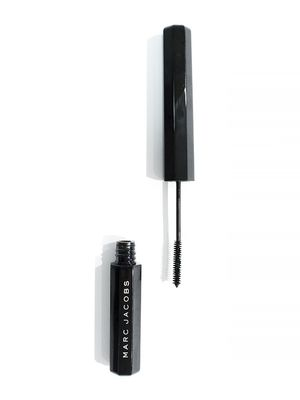 Reviewed: Marc Jacobs Beauty Feather Noir Lash-Discovering Mascara