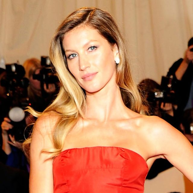 What Red Carpet Prep Is <i>Really</i> Like, According to a Celeb Hair Stylist