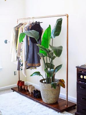 How the 50-50 Closet Purge Revolutionized My Style
