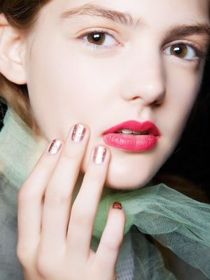 4 Unexpected Ways to Wear Metallic Nails Right Now