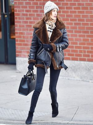 Alexa Chung Braves the NYC Cold Like a True Fashion Trooper