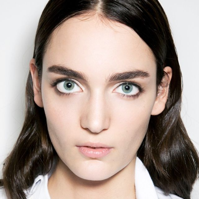 4 Sneaky Tricks to Fake Thicker Brows
