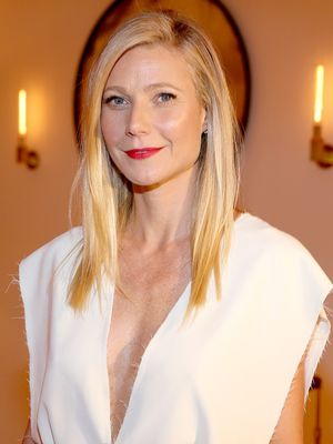 Gwyneth Paltrow and Her Daughter Are Basically Twins