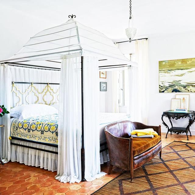 Inside a Beauty Guru's Romantic Villa in the South of France