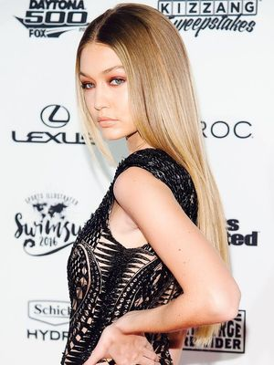 Gigi Hadid's Necklace Layering Formula Is Genius