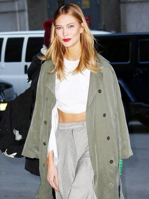 Karlie Kloss Just Styled Her Sneakers in the Coolest Way