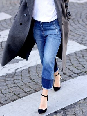 A Blogger-Approved Way to Wear Cropped Wide-Leg Jeans