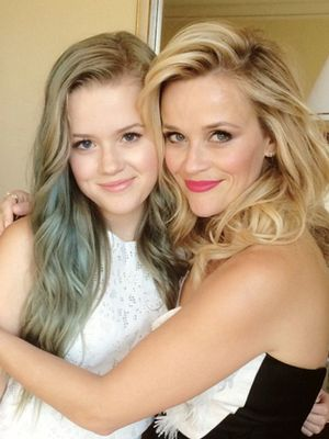 '90s Reese Witherspoon Looks Exactly Like Her Daughter