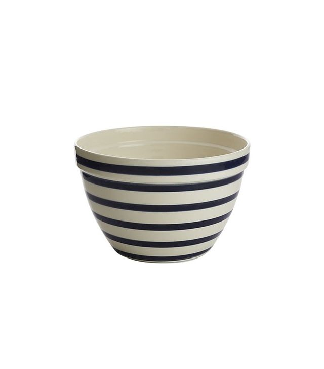 All the kitchenware we 39 re currently coveting mydomaine for Sur la table mixing bowls