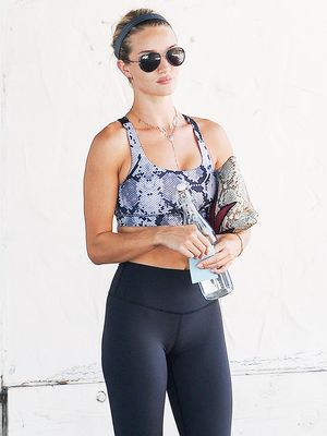The Fitness Outfit L.A. Girls Wear Over and Over