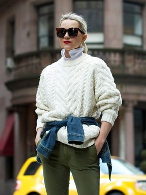 See How This NYC-Based Blogger Masters a Preppy-Chic Look