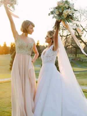 Watch Taylor Swift Give a Moving Maid of Honor Speech in Reem Acra