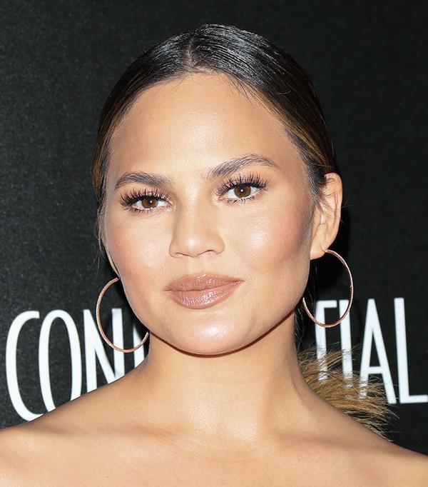 chrissy-teigen-celebrity-beauty-looks