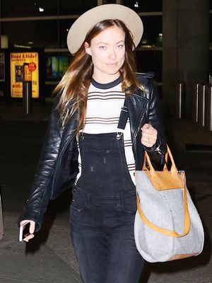 Olivia Wilde Has a Cool-Girl Outfit Formula for Wearing Overalls