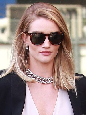 Rosie Huntington-Whiteley's Simple Trick for Enhancing Your Everyday Look