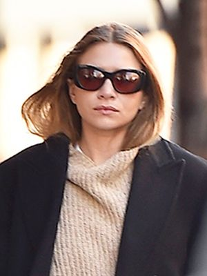 This Bag Style Is So Different for Ashley Olsen