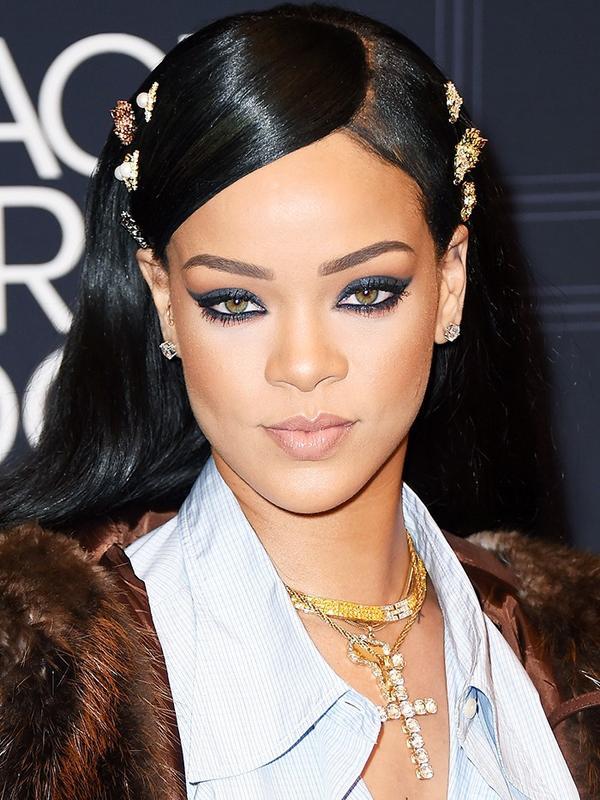2. Pop Mini Brooches in Your Hair Like Rihanna