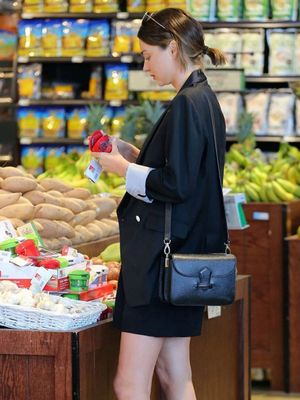 FYI: Miranda Kerr Wears Really Cute Outfits to Grocery Shop