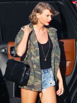 Taylor Swift Just Wore Our New Favorite Sneaker Trend