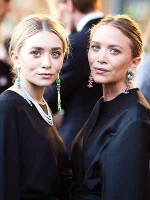 Alert: Mary-Kate and Ashley Just Posted Their First Insta Selfie