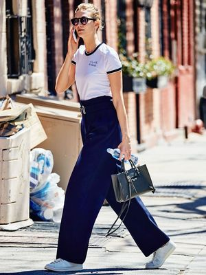 Karlie Kloss Wore the T-Shirt Everyone Wants Right Now