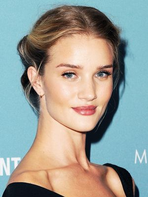 7 Genius Beauty Tips We Learned From Rosie Huntington-Whiteley