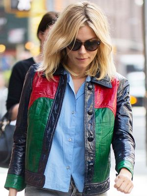 We All Should Wear Our Sneakers the Way Sienna Miller Did
