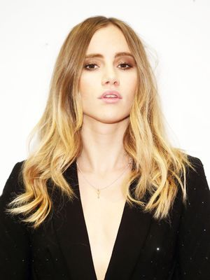 Exclusive: Suki Waterhouse Has Some Blunt Beauty Advice for Her 16-Year-Old Self