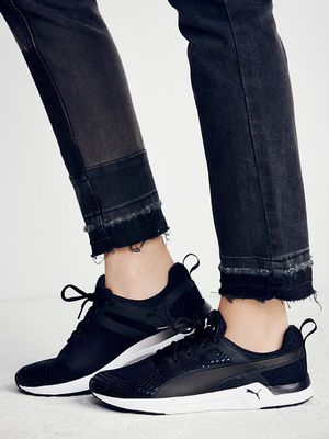 #TuesdayShoesday: 5 Cool Black Sneakers