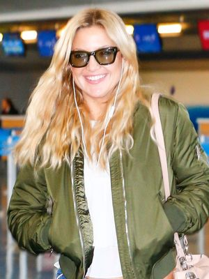 Kate Hudson Wore the Most Impractical (and Amazing) Airport Shoes
