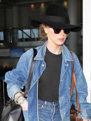 This Airport Outfit Trumps Them All  (and You Probably Already Own It)